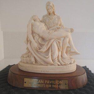 Vintage 1964-65 Vatican Pavilion Pieta Statue